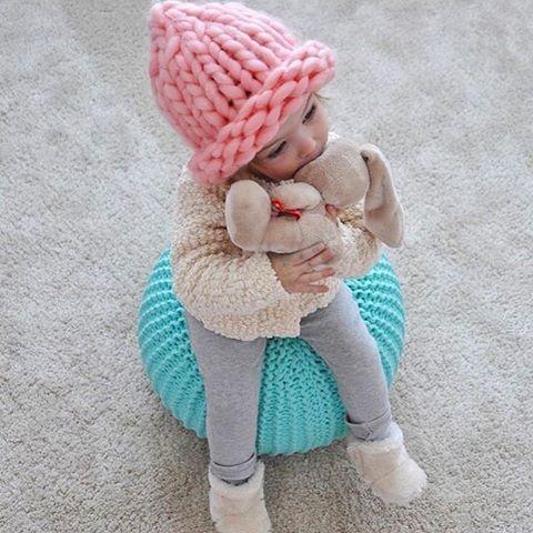 Scandinavian style Knitted pouf. Kids room Вязаный пуф