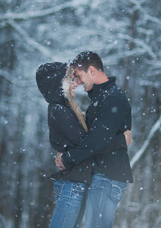 фото пар зимой со спины помню
