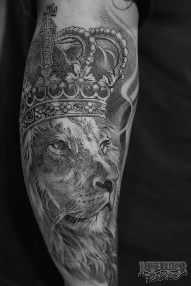 lion side tattoo