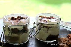 Come preparare il tiramisu vegano in simpatici barattolini, senza derivati animali, leggero, sano e adatto alle intolleranze al lattosio.