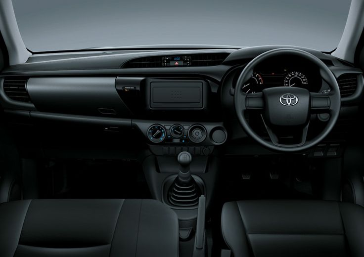 All New Hilux Single Cabin 2.5 M/T - Interior - Front Car Dashboard View - Mobil Niaga Terbaik - AUTO2000