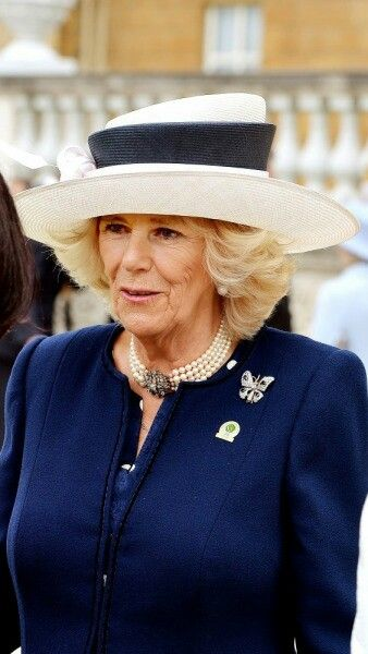 The duchess of Cornwall attends the garden party for the 100th anniversary of Woman's League. JUNE 2 2015