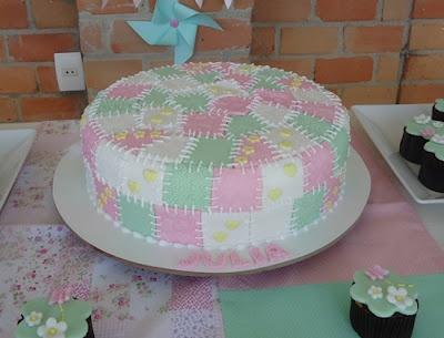 Decoraci n de fiesta de cumplea os en el jard n con for Decoracion de tortas para ninas