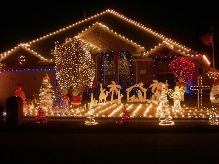 Musical Christmas Lights On House