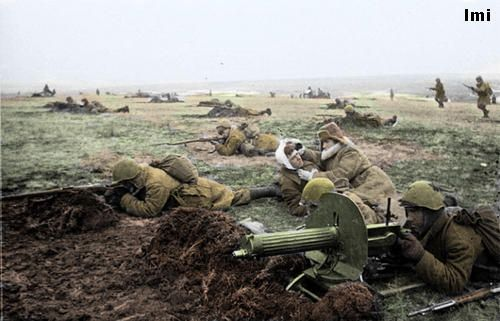 Russian soldiers during World War 2, color photo 9: