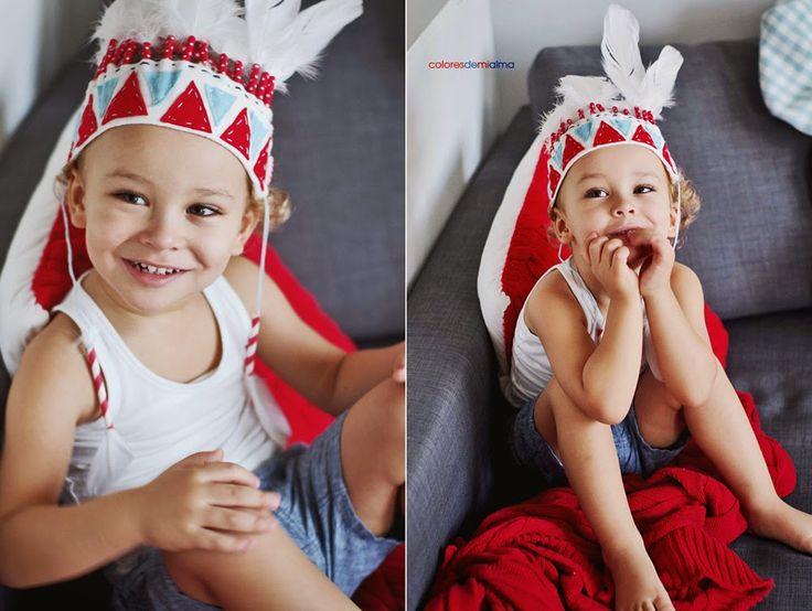 [PREZENT] Pióropusz dla dziecka wykonany samodzielnie. Wystarczy kilka piór, kolorowa mulina i filc, albo inne rzeczy, które masz pod ręką. I voila! Dziecko przyozdobione to dziecko szczęśliwe ;)