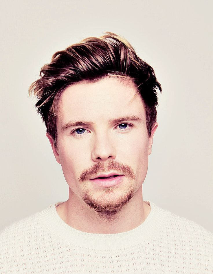 Joe Dempsie ~ Gendry. wow..that hair. those eyes.