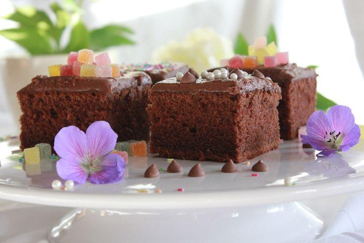 Mild og luftig og saftig sjokoladekake - melkesjokoladekake