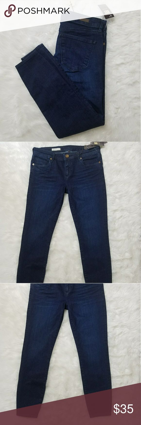 Kut from the kloth Bridget dark wash skinny jean 4 Kut from the kloth women's dark wash Bridget cropped skinny jeans size for new with tags MSRP $99 91% cotton 7% polyester 2% spandex Kut from the Kloth Jeans Skinny