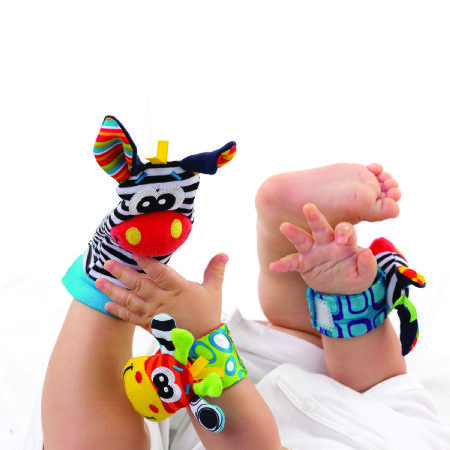 Playgro Jungle Friends Gift Pack - Watch baby light up as they discover their hands and feet with this colourful wrist rattle and foot finder set.  Canada's Baby Store