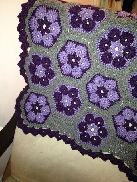 African Flower Crochet Pattern Half : 17 best images about CROCHET - AFRICAN FLOWER on Pinterest ...