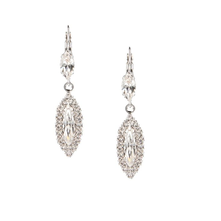 Dreaming of a white Christmas? Let these icy crystal #earrings bring out the snow queen in you.  #otazu #swarovski #earrrings #crystal #diamond #icewhite #stylist #handmade #madeineurope #fairlymade