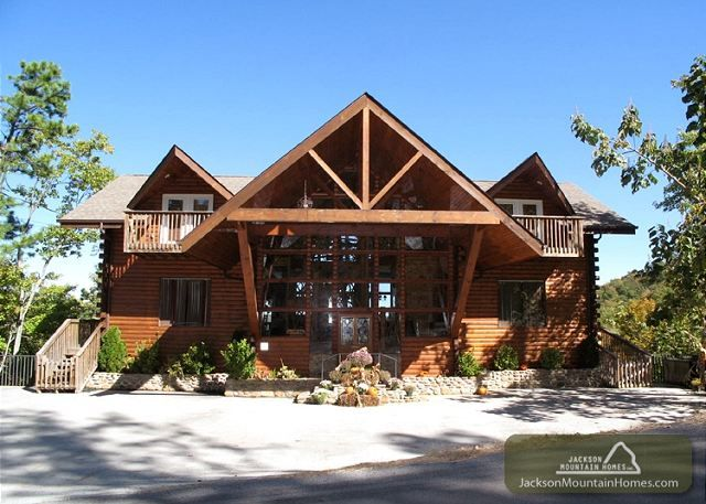 43 best images about large group cabins on pinterest for Cabin rentals in gatlinburg tn for large group