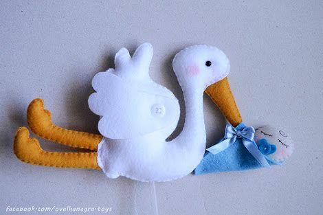 Cegonha em feltro com molde; storck felt
