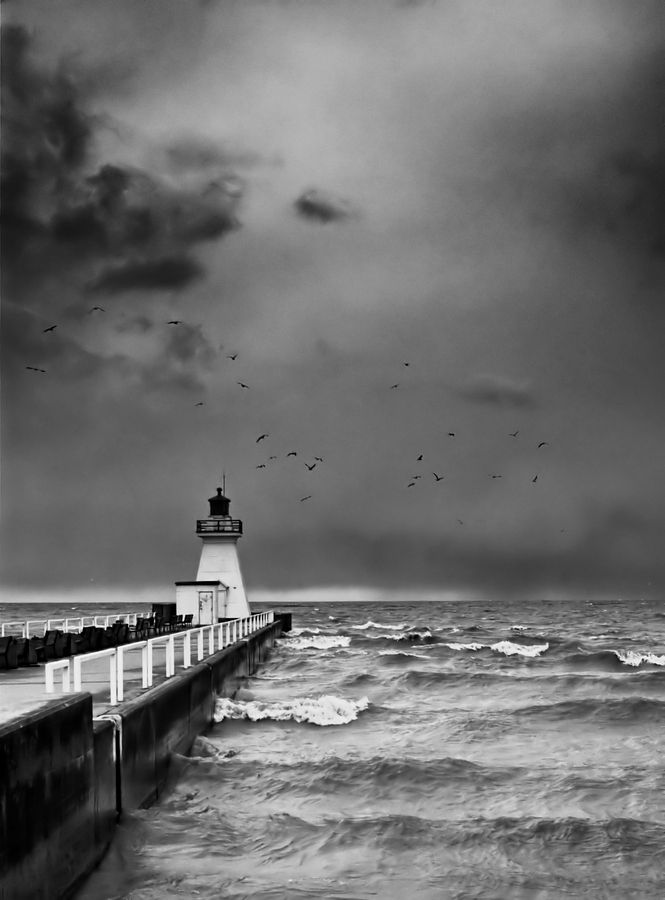 *Lake Erie Lighthouse - Port Dover, ON