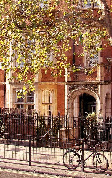 Autumn in London - Love this picture! ASPEN CREEK TRAVEL - karen@aspencreektravel.com