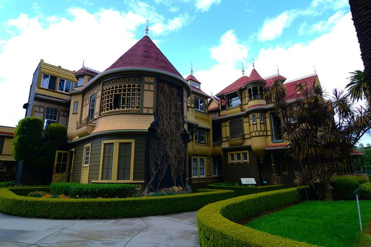https://flic.kr/p/9smjEJ   Winchester Mystery House