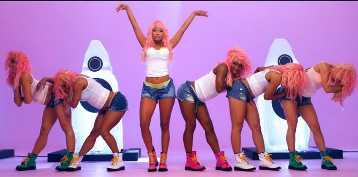 Yes this is Nicki Minaj and I love her but I reaallllly want a pair of those pink boots!!