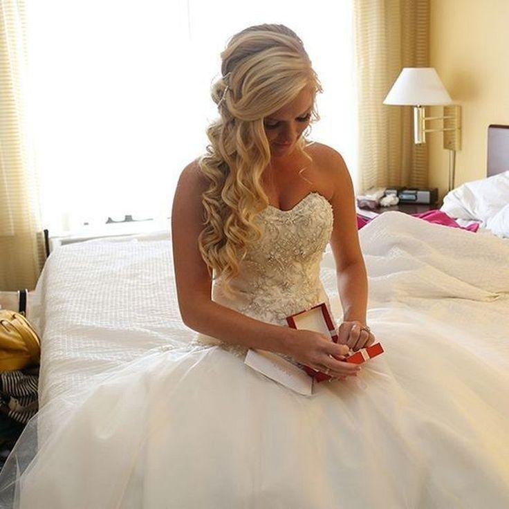 blondinki-v-svadebnih-platyah-foto-gruppovoe-porno-na-snegu