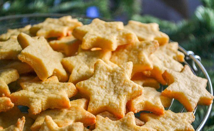 Filléres sajtos karácsonyi csillagok – na ezt nevezem tökéletes sós sütinek!
