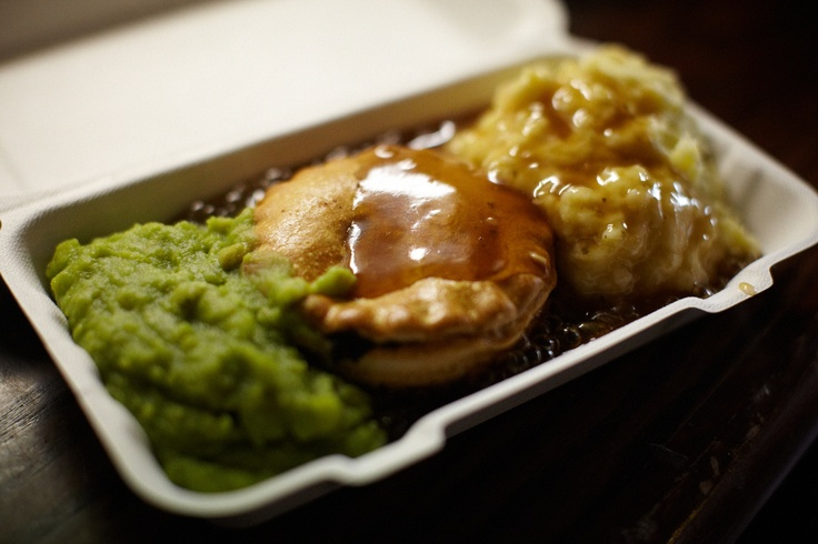 That'll get me through the rest of the day, pie and mash with the obligatory mushy peas at The Hop