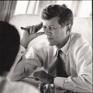 1960. Printemps ou Été. Jack quitte la Virginie occidentale pour se rendre dans le Nebraska. A bord du Caroline. (au moins 9 photos dans la série). Par Jacques LOWE