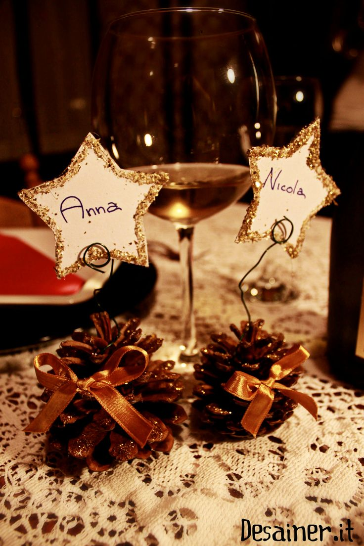 Segnaposti natalizi facili economici da realizzare con pigne video tutorial foto creare simpatici segnaposto per la tavola di natale con nomi degli invitati
