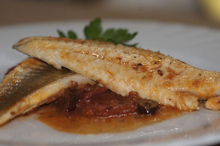 Il filetto di gallinella in umido è un bel secondo di pesce, un filetto molto buono e delicato, ben cucinato è sano e nutriente.