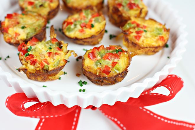 Party Recipe: Mini Hash Brown Crust Quiche! on http://pizzazzerie.com