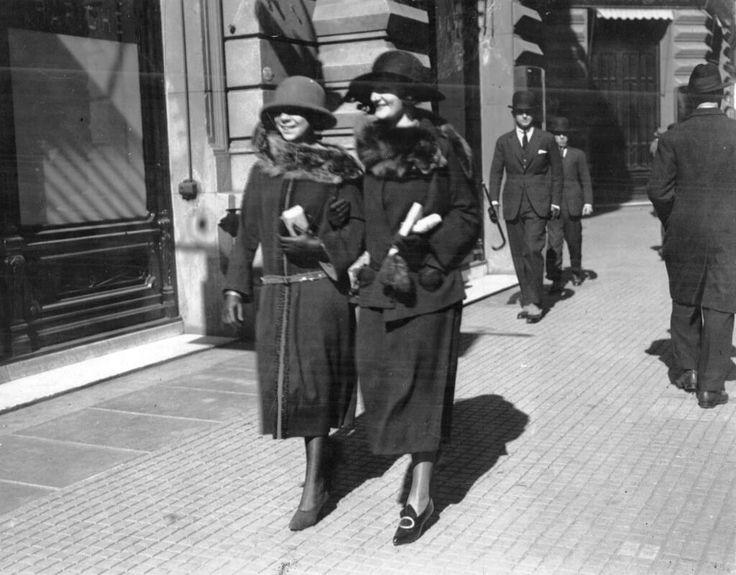Paseando por Florida, Buenos Aires 1922. Inventario 145658.