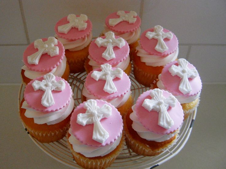 Cupcake Decorating Ideas For Church : 17 Best images about First Communion Ideas on Pinterest ...