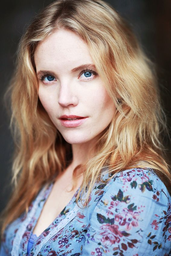 Tamzin Merchant is Lyra Strayd on Supergirl