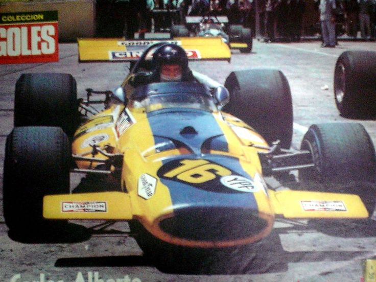 Carlos Reutemann, McLaren M7C (Ecurie Bonnier), Argentine Grand Prix, Non-Championship race, 1971. Chris Amon, winner, Henri Pescarolo, 2nd, and Carlos Reutemann, 3rd, in his very first Formula 1 race.