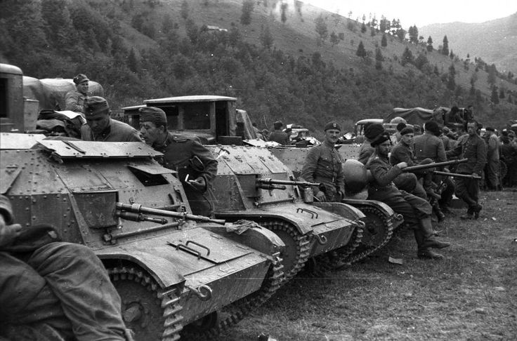 19 września 1939 roku, Przełęcz Tatarska, Węgry. 10.Brygada Kawalerii po przekroczeniu granicy węgierskiej. Na pierwszym planie czołgi rozpoznawcze TK-3 dalej TKS-y uzbrojone w działko (najcięższy karabin maszynowy) FK-A wz.38 kalibru 20 mm.