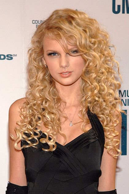 Sigh. I miss her curly hair. It made her stand out. ~ Taylor Swift, November 2006
