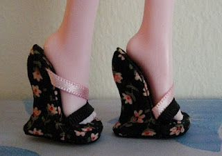 how-to make your own Barbie shoes ~ can be adapted for any other fashion-type doll