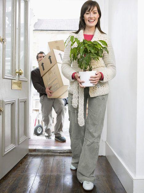 Pokud se v domě či bytě máte cítit dobře a má v něm proudit dobrá energie, začněte u uklizené předsíně; Thinkstock