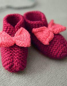 Modèle chaussons noeud layette