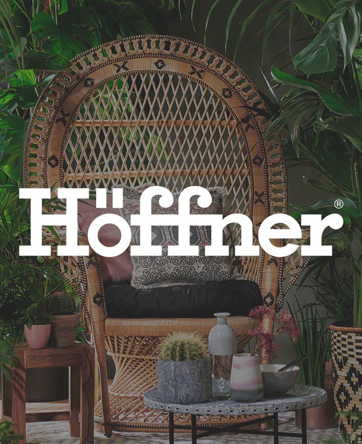 Fallen lassen und relaxen lautet hier die Devise. Ob im Garten, Wintergarten oder Wohnzimmer, dieser Sessel ist ein wahrer Eyecatcher und dazu extrem gemütlich. #wohntrend #höffner #ethno #möbel #deko