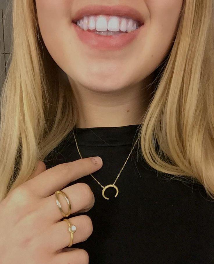 Golden favorites #jewellery #golden #rings #stone #honey #smile #blond #hvisk #hviskjewellery #black #fashion
