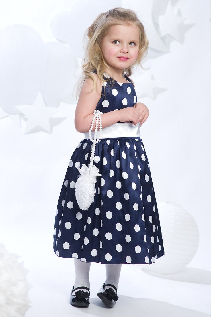 Foxy - женская одежда оптом от производителя, большой ассортимент продукции с минимальной суммой заказа от 5000 рублей.