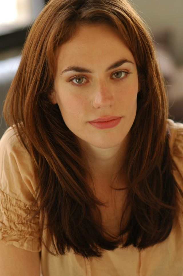 Maggie Siff films, height, body & twitter comments