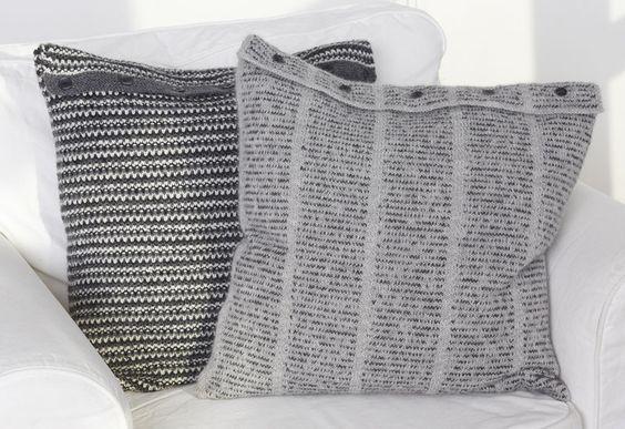 Tidningskudde Storlek: Ca 50x50 cm. Garnåtgång: 5 nystan bottenfg ljusgrått (nr 434) och 2 nystan bokstavsfg grått (nr 403) av Hjerte Alpaca à 50 g/ca 167 m från Hjertegarn/Kinna textil, tel...