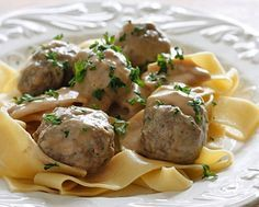 I LOVE a good Alton Brown recipe. So what could be better then his recipe for SWEDISH MEATBALLS. M...