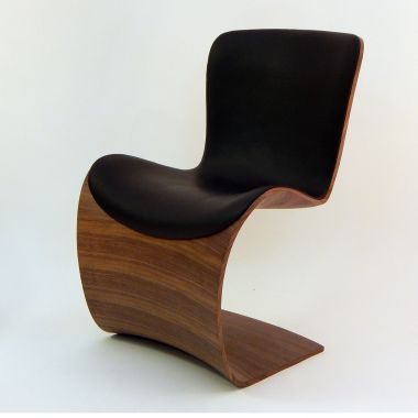 Collections Through a bold pursuit for the elegance of curves, the noblest woods (rosewood, walnut) combine and contrast with composite materials (carbon fiber, Corian) to sublimate the beauty of lines, creating a design both surprising and yet obvious at the same time.