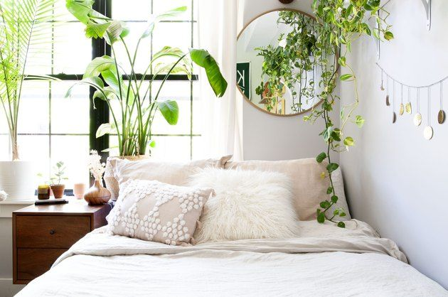 This Is How To Transform Your Bedroom Into A Zen Like Retreat Hunker Bedroom Themes Soothing Bedroom Dreamy Bedrooms