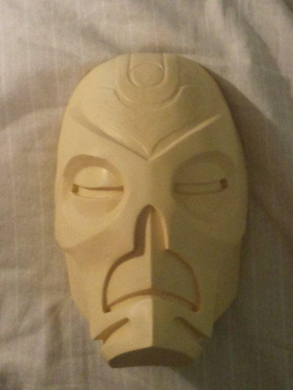 Skyrim Dragon Priest Mask von KRSprops auf Etsy, £35.00
