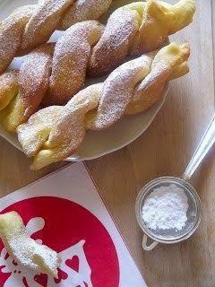 ricette di cucina e non solo: treccine di carnevale fritte alla ricotta