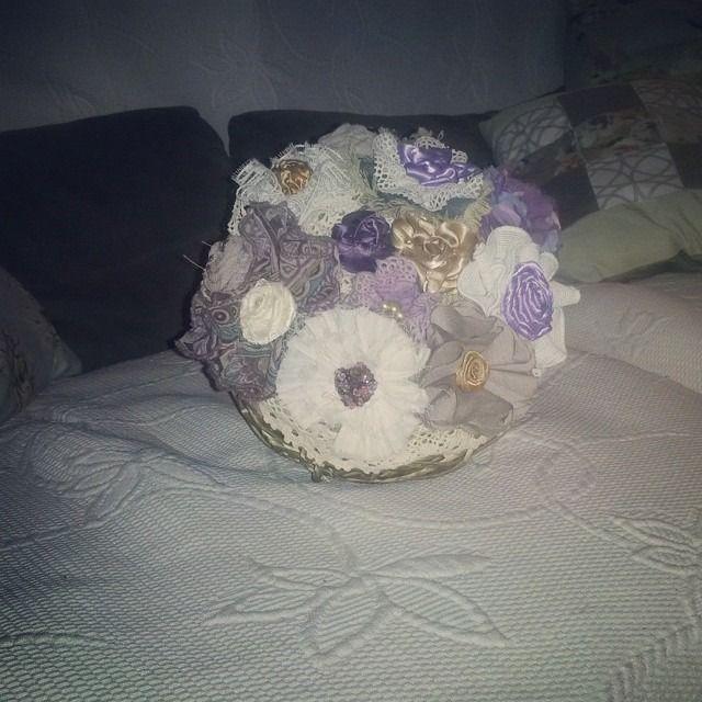 Bouquet de fleurs tissu, tons de mauve et parme, doux et romantique : Accessoires de maison par a-fleur-2-pots
