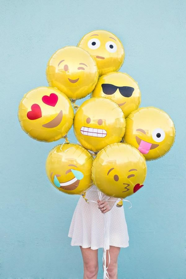 25 Stylish Adult Birthday Party Ideas - You'll totally need these Emoji balloons in your life!